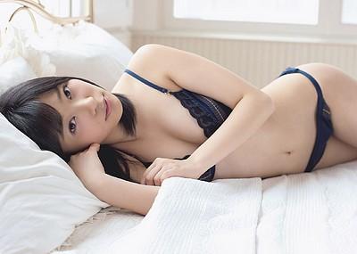 【グラビアエロ画像】HKT48指原莉乃の美脚がエッチなセクシー画像(50枚)