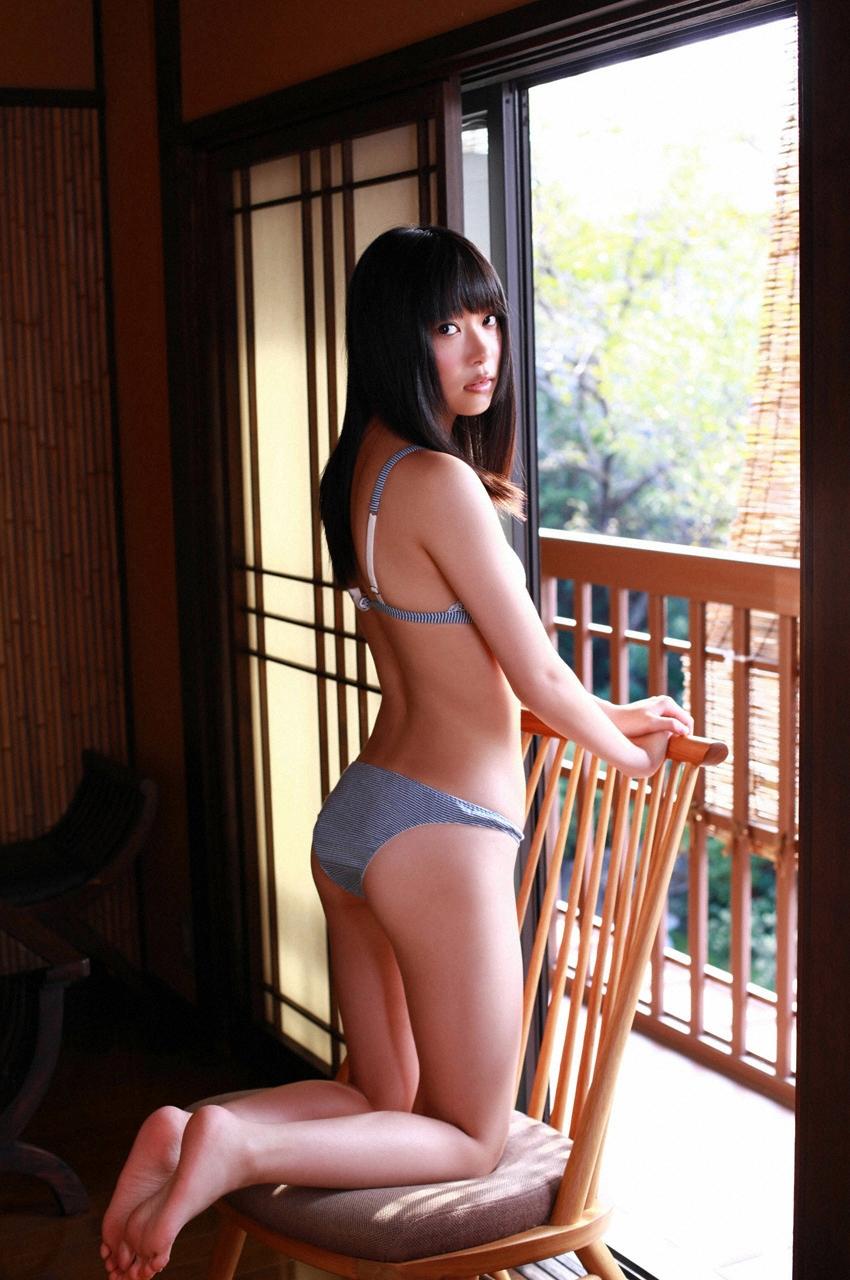 【グラビアエロ画像】HKT48指原莉乃の美脚がエッチなセクシー画像(50枚) 10