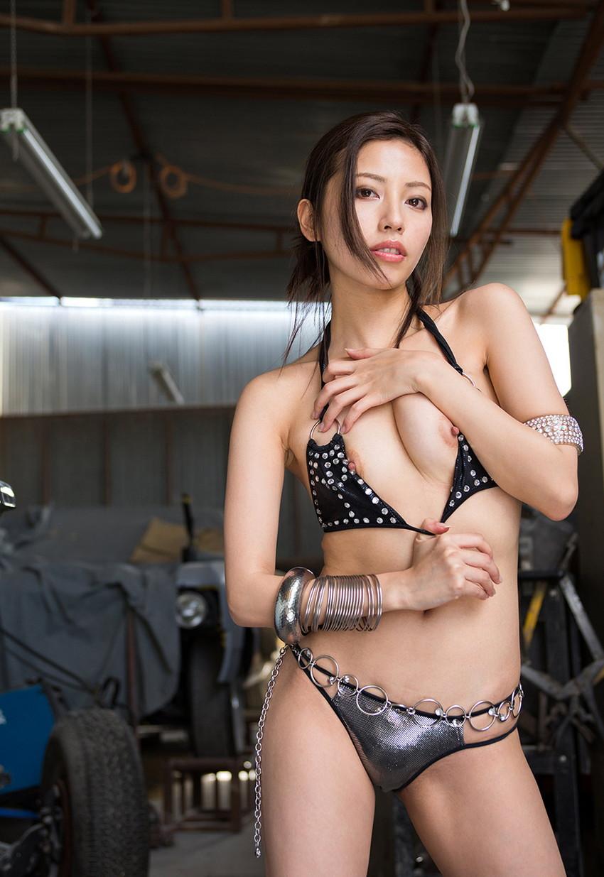 【ヌードエロ画像】清純派女優!横山美雪のスレンダーボディが堪能できるエロ画像!(54枚) 09