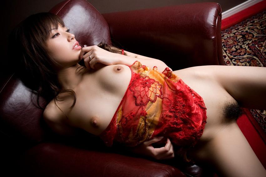 【ヌードエロ画像】清純派女優!横山美雪のスレンダーボディが堪能できるエロ画像!(54枚) 12