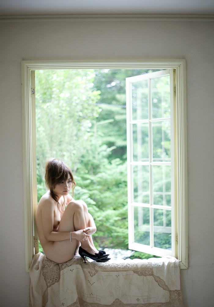 【ヌードエロ画像】清純派女優!横山美雪のスレンダーボディが堪能できるエロ画像!(54枚) 20