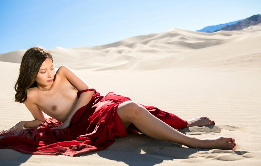 【ヌードエロ画像】清純派女優!横山美雪のスレンダーボディが堪能できるエロ画像!(54枚) 40