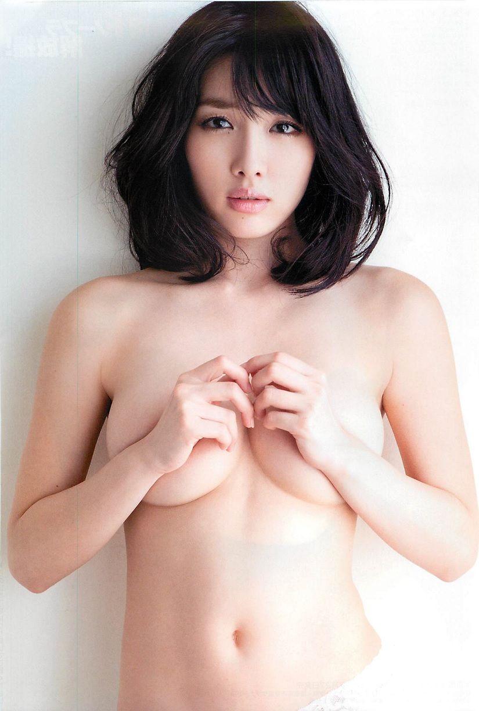 【手ブラエロ画像】おっぱいを手で隠す姿が艶めかしすぎるw(50枚) 18