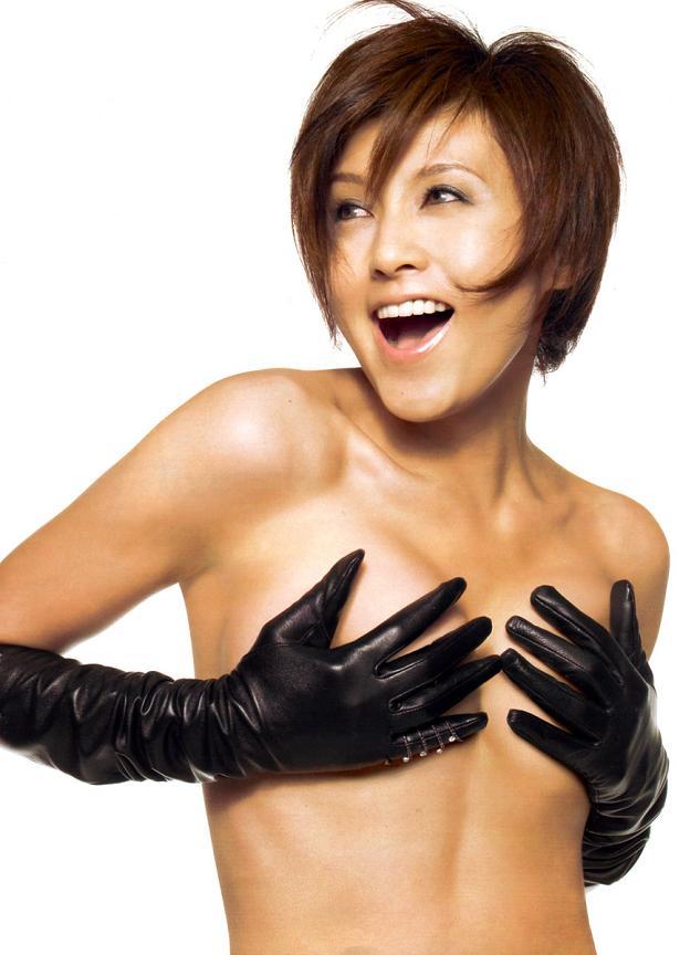 【手ブラエロ画像】おっぱいを手で隠す姿が艶めかしすぎるw(50枚) 38