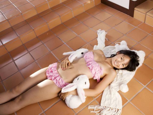【グラビアエロ画像】小池里奈の水着姿やセミヌード姿がエロ美しいw(50枚) 29