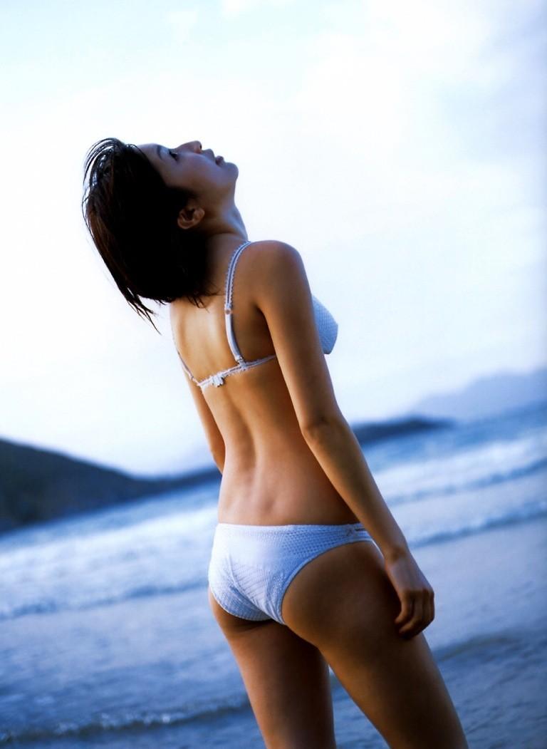 【グラビアエロ画像】昔も今も大人気な小野真弓のセクシー画像(50枚) 17