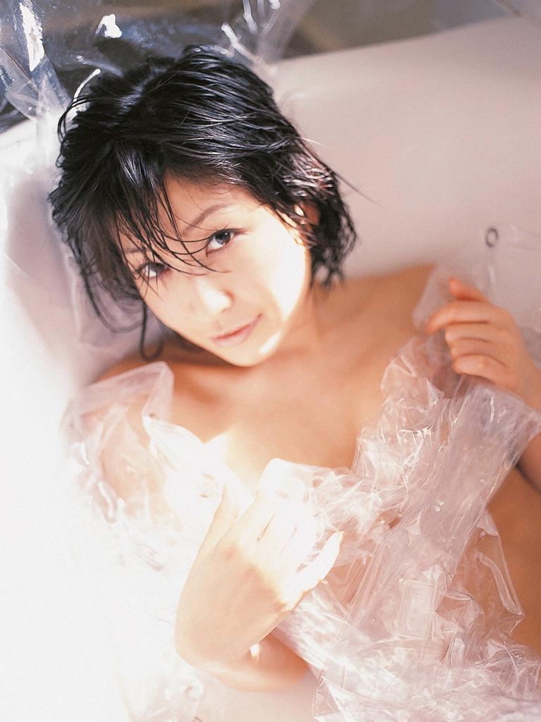 【グラビアエロ画像】昔も今も大人気な小野真弓のセクシー画像(50枚) 19