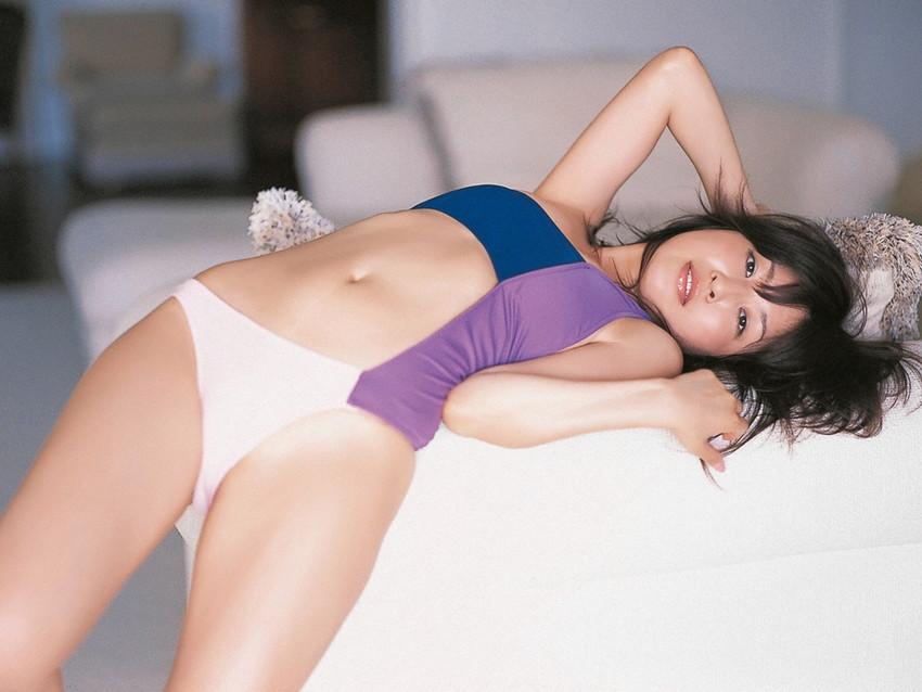 【グラビアエロ画像】昔も今も大人気な小野真弓のセクシー画像(50枚) 25