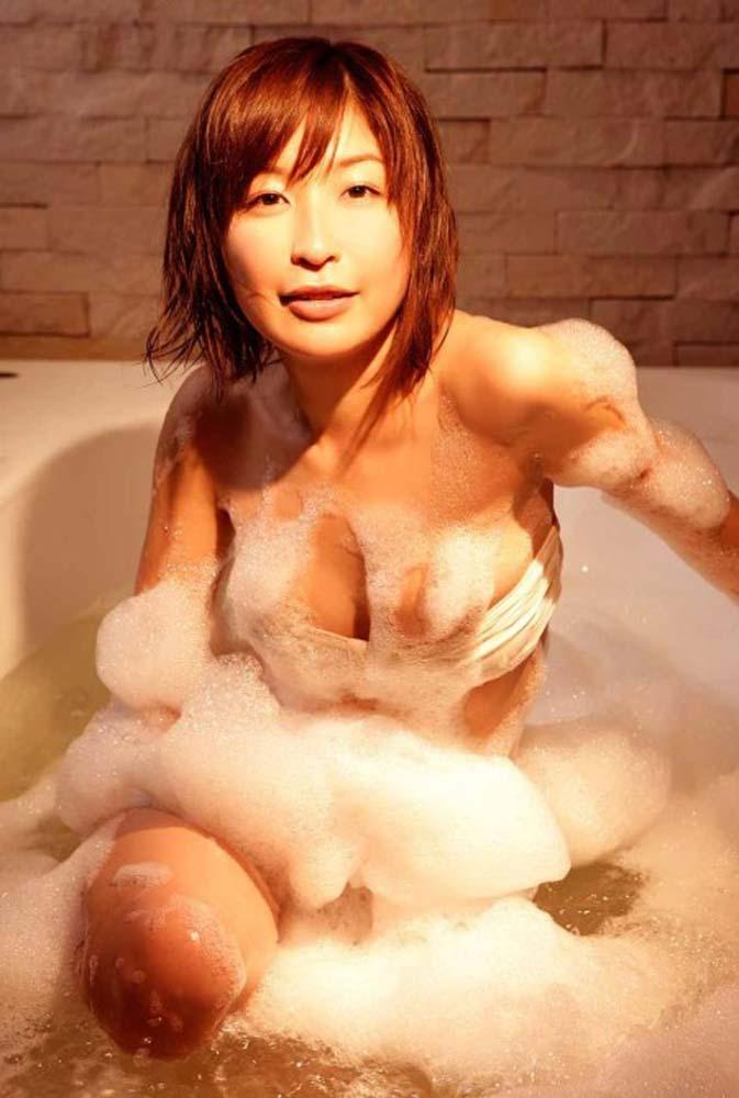 【グラビアエロ画像】昔も今も大人気な小野真弓のセクシー画像(50枚) 27