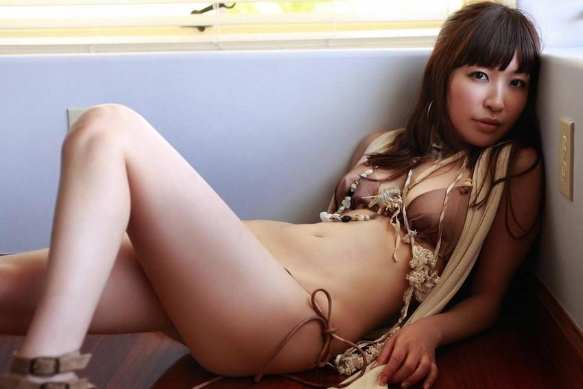 【グラビアエロ画像】昔も今も大人気な小野真弓のセクシー画像(50枚) 50
