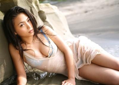 川村ゆきえ 網タイツがセクシーな過激水着画像