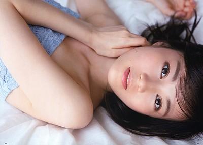 【グラビアエロ画像】生田絵梨花のセクシー画像w色気ムンムンでエロ可愛いw(51枚)