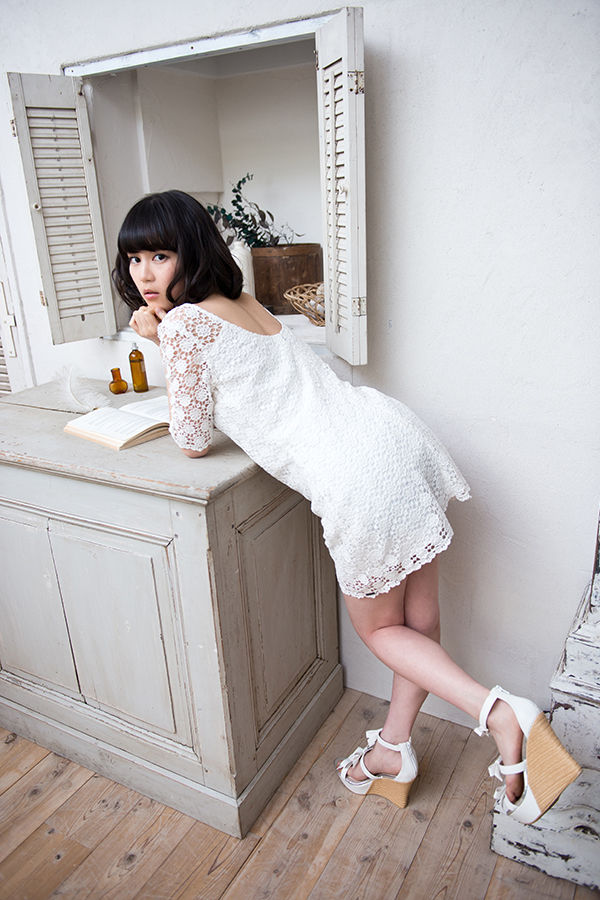 【グラビアエロ画像】生田絵梨花のセクシー画像w色気ムンムンでエロ可愛いw(51枚) 44
