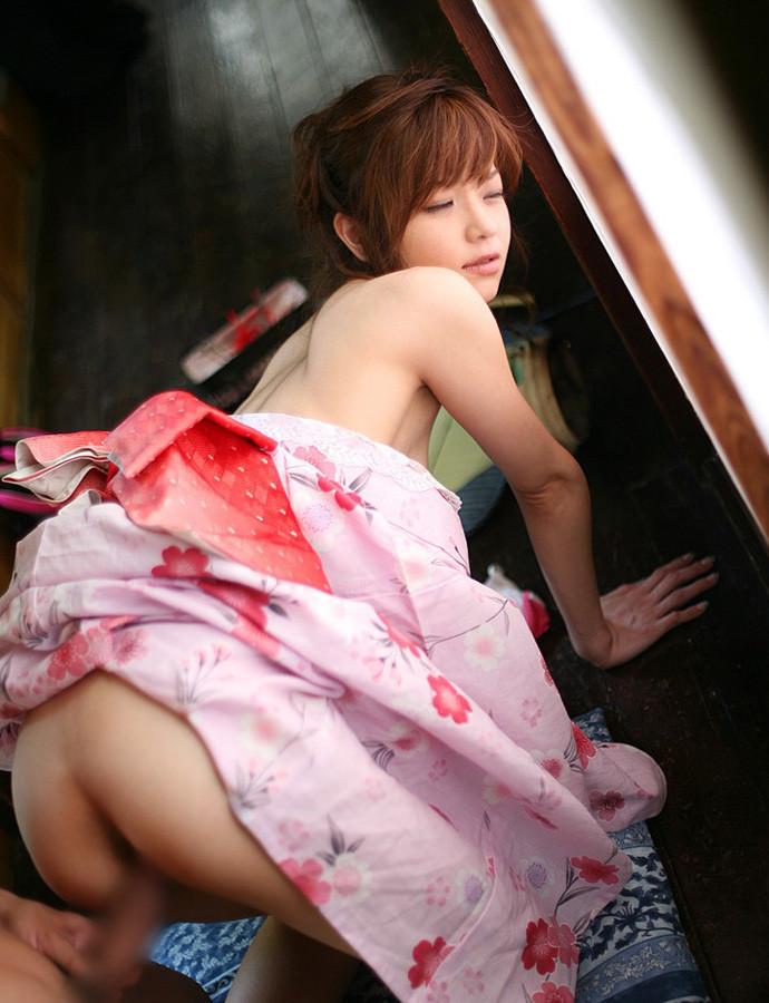 【和服エロ画像】美女の着衣セックス画像!先走り汁が止まらないほどのエロさ!(51枚) 34