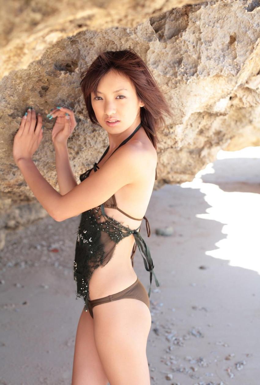 【グラビアエロ画像】南明奈のセクシー画像!アッキーナのビキニ姿がエロ可愛いw(53枚) 07