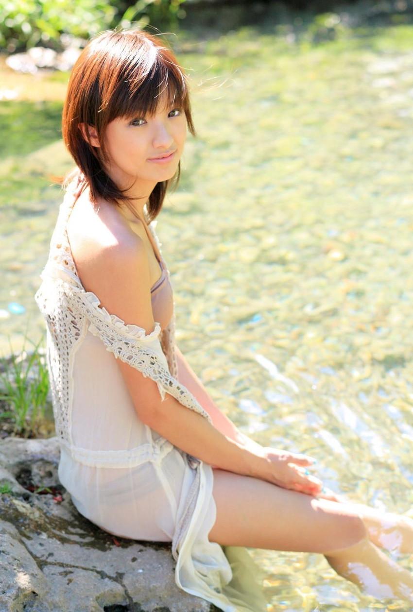 【グラビアエロ画像】南明奈のセクシー画像!アッキーナのビキニ姿がエロ可愛いw(53枚) 09