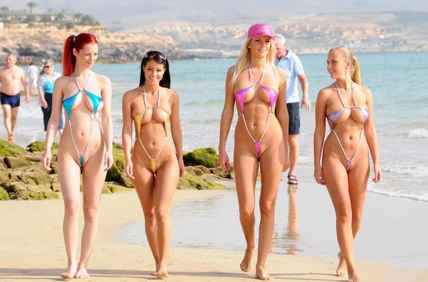【紐水着エロ画像】まるで裸のような過激水着姿がエロすぎるw(50枚) 48