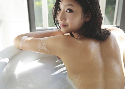 【9頭身エロ画像】菜々緒のセクシーグラビア画像!超絶美脚がまぶしすぎる!(53枚)