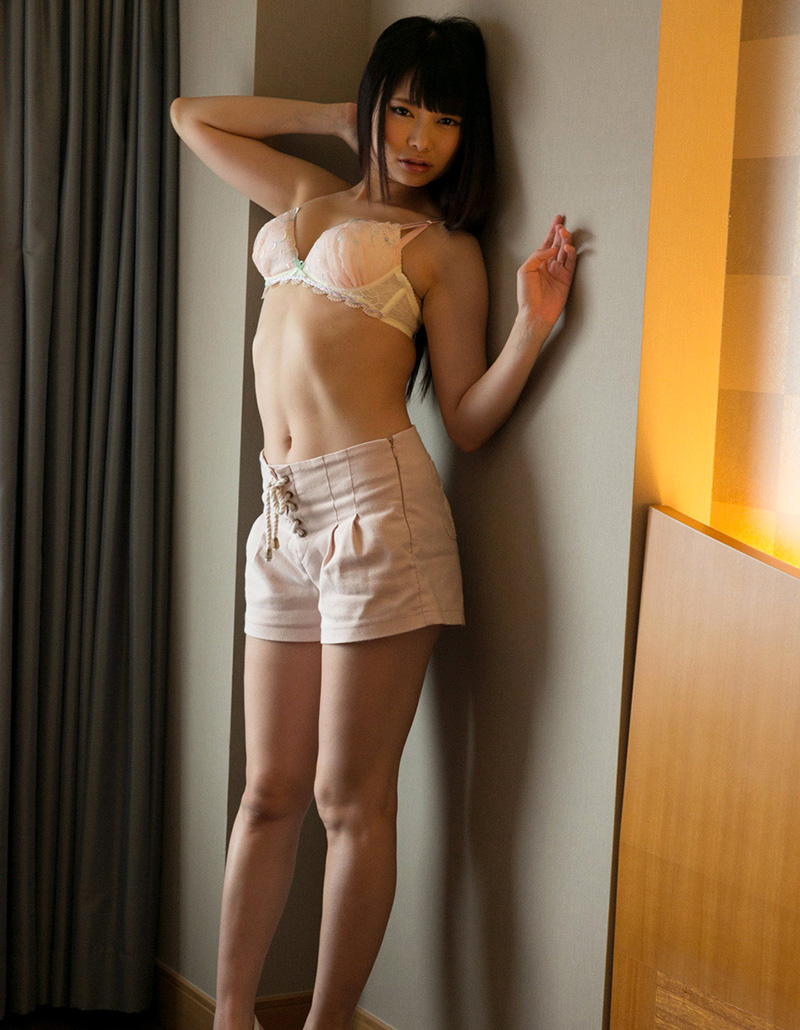 【ヌードエロ画像】なつめ愛莉のセクシーエロ画像!長い手足に美しいボディ!(50枚) 35