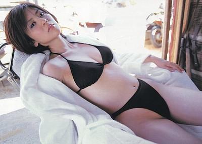 【グラビアエロ画像】今も昔も変わらぬエロさ!白石美帆のセクシー画像!(52枚)