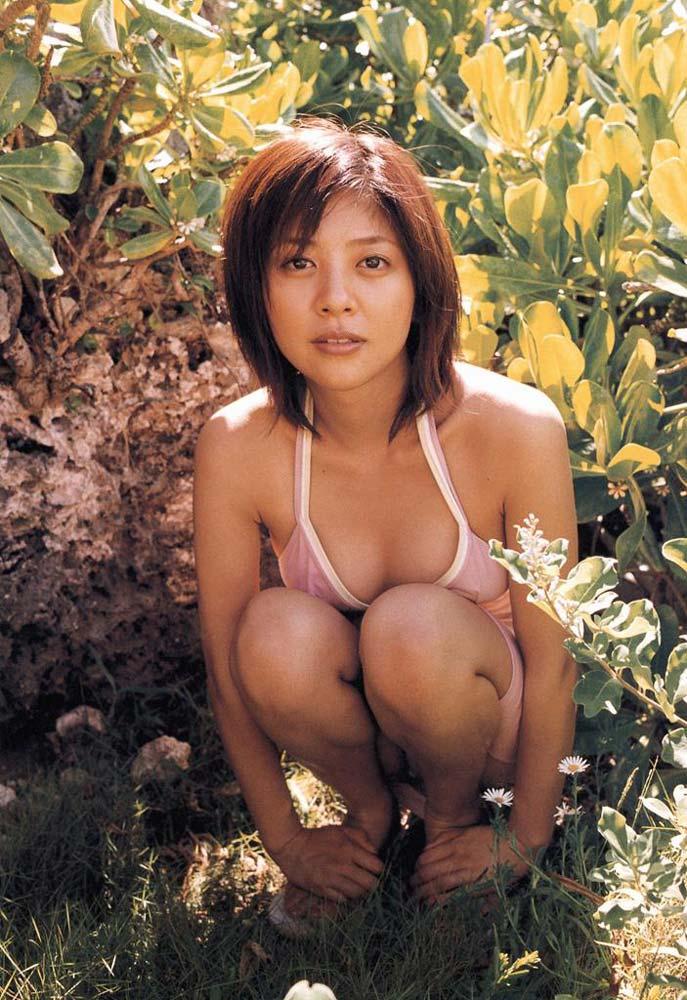 【グラビアエロ画像】今も昔も変わらぬエロさ!白石美帆のセクシー画像!(52枚) 05