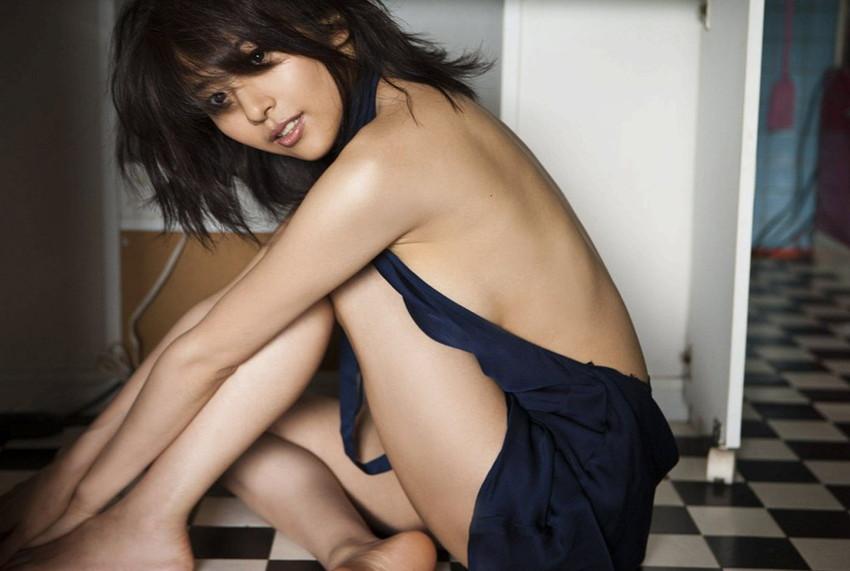 【グラビアエロ画像】今も昔も変わらぬエロさ!白石美帆のセクシー画像!(52枚) 12