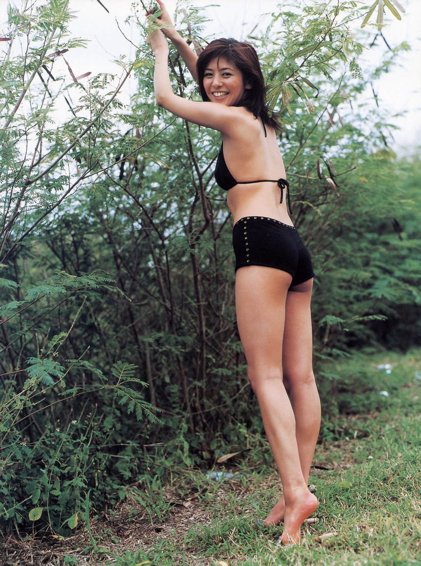 【グラビアエロ画像】今も昔も変わらぬエロさ!白石美帆のセクシー画像!(52枚) 40