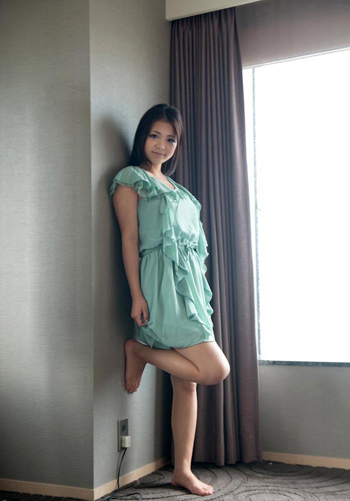 【巨乳美少女エロ画像】鶴田かなの童顔なのに豊満な素敵ボディがエロすぎるw(53枚) 07
