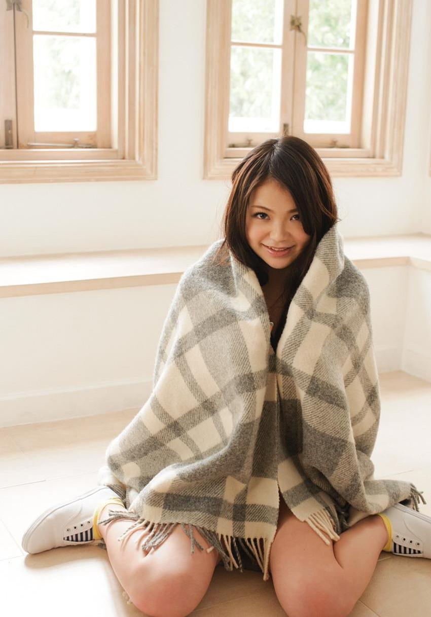 【巨乳美少女エロ画像】鶴田かなの童顔なのに豊満な素敵ボディがエロすぎるw(53枚) 36