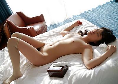 【SEX後エロ画像】セックス終了後の美女たちがエロすぎて2回戦に挑みたくなるw(52枚)