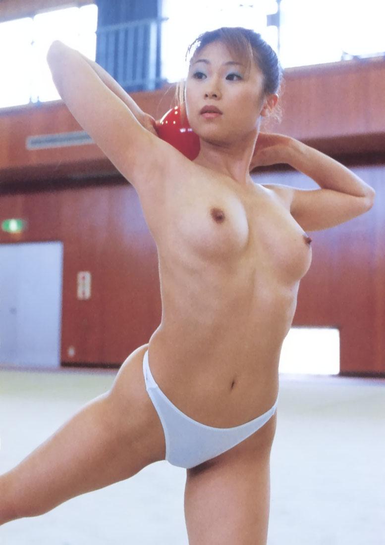 【パンツエロ画像】パンティ一枚だけの美女が見せるエッチな姿がこちらw(52枚) 06