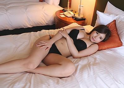 【美爆乳エロ画像】千乃あずみのムッチリボディがテラエロスwww(50枚)