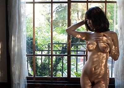 【ヌードエロ画像】成長を続ける巨乳女優!長瀬麻美さんのおっぱいエロすぎw(53枚)