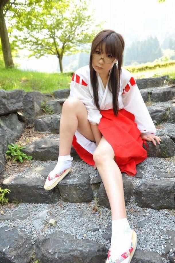 【巫女エロ画像】赤と白の卑猥な共演!美女の巫女服姿が神をも恐れぬエロさ!(51枚) 32
