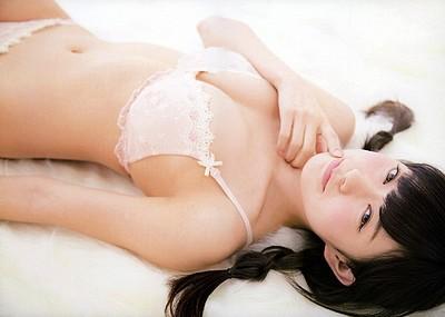 【グラビアエロ画像】渡辺美優紀の美しく優しさあふれるセクシー画像!(51枚)