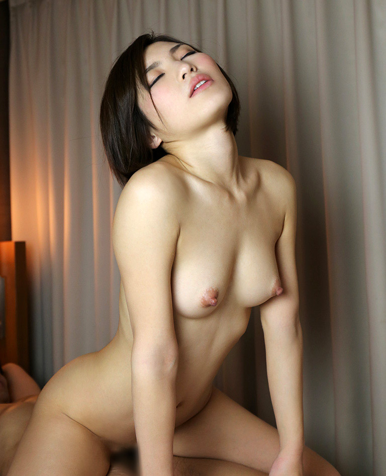 【ヌードエロ画像】ショートヘアが似合う夏希みなみのエロ画像(55枚) 40