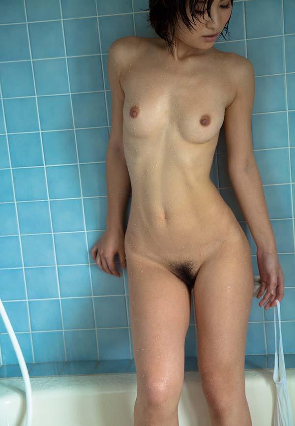 【ヌードエロ画像】ショートヘアが似合う夏希みなみのエロ画像(55枚) 44