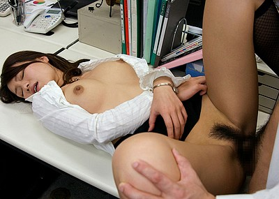 【OLエロ画像】会社でエロいことヤってる美女がけしからんwwwww(55枚)