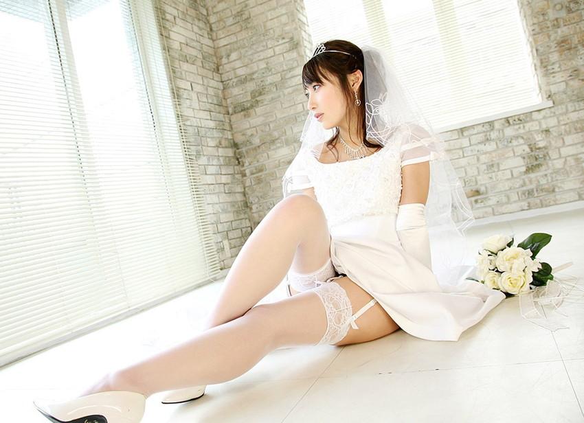 【花嫁エロ画像】美女の乱れたウェディングドレス姿が激エロw(53枚) 02