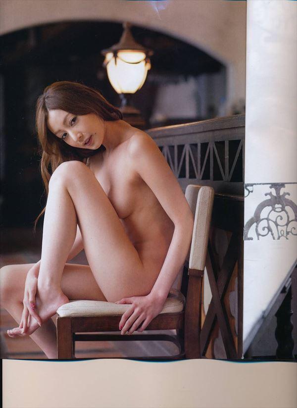 【グラビアエロ画像】口元のほくろにホレボレする池田夏希のセクシーボディw(50枚) 17