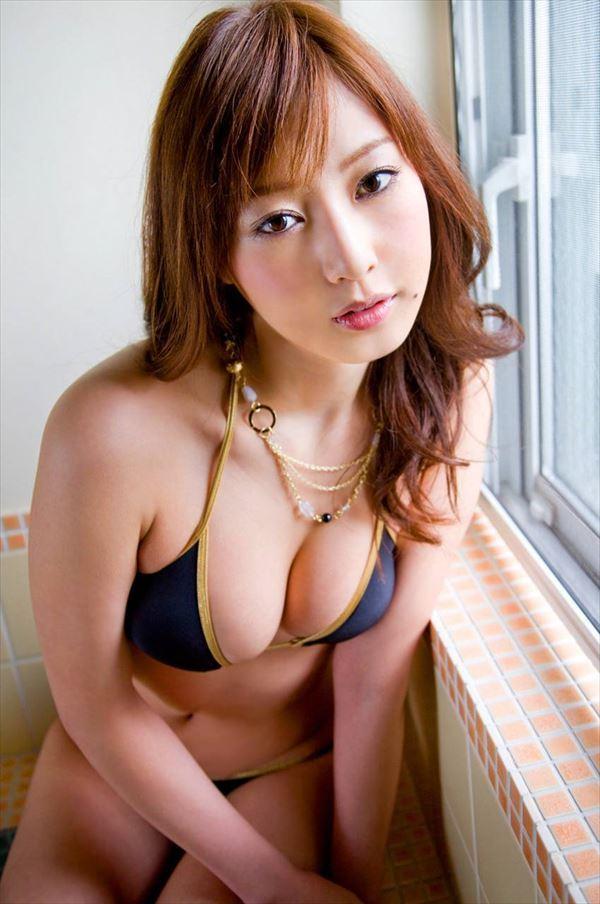【グラビアエロ画像】口元のほくろにホレボレする池田夏希のセクシーボディw(50枚) 34