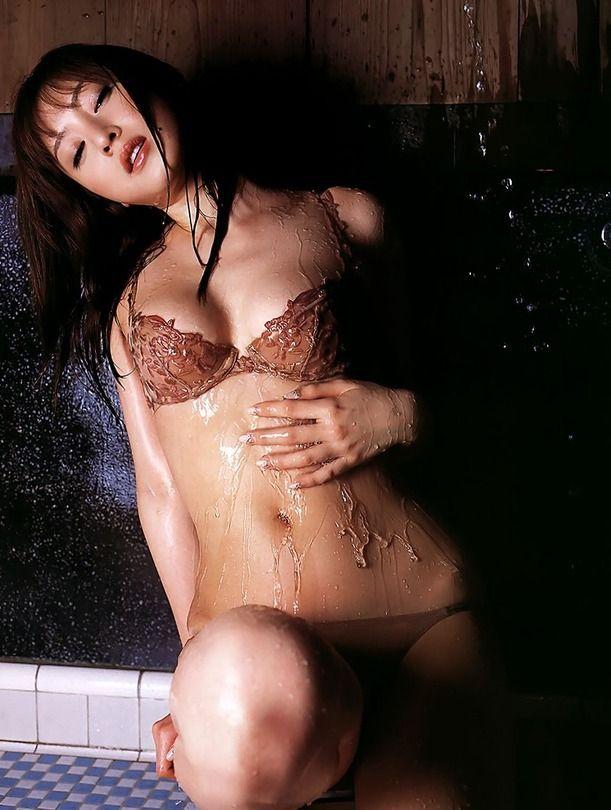 【グラビアエロ画像】口元のほくろにホレボレする池田夏希のセクシーボディw(50枚) 45