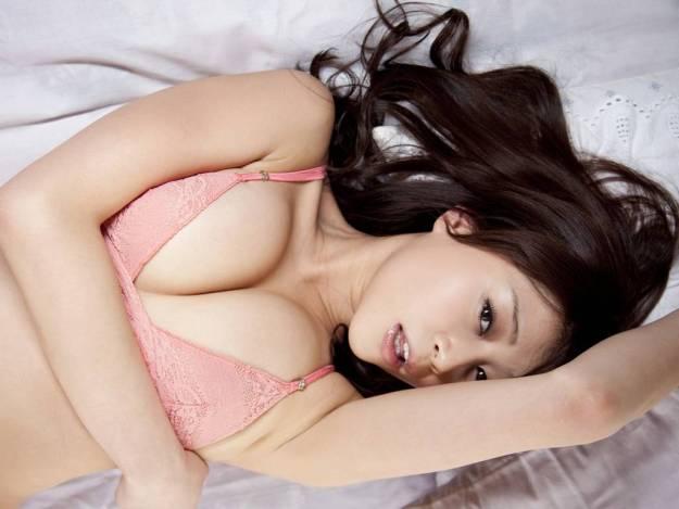 【グラビアエロ画像】高橋亜由美の谷間がエロすぎるドスケベボディwww(50枚) 02