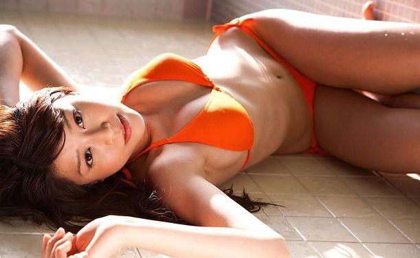 【グラビアエロ画像】高橋亜由美の谷間がエロすぎるドスケベボディwww(50枚) 19
