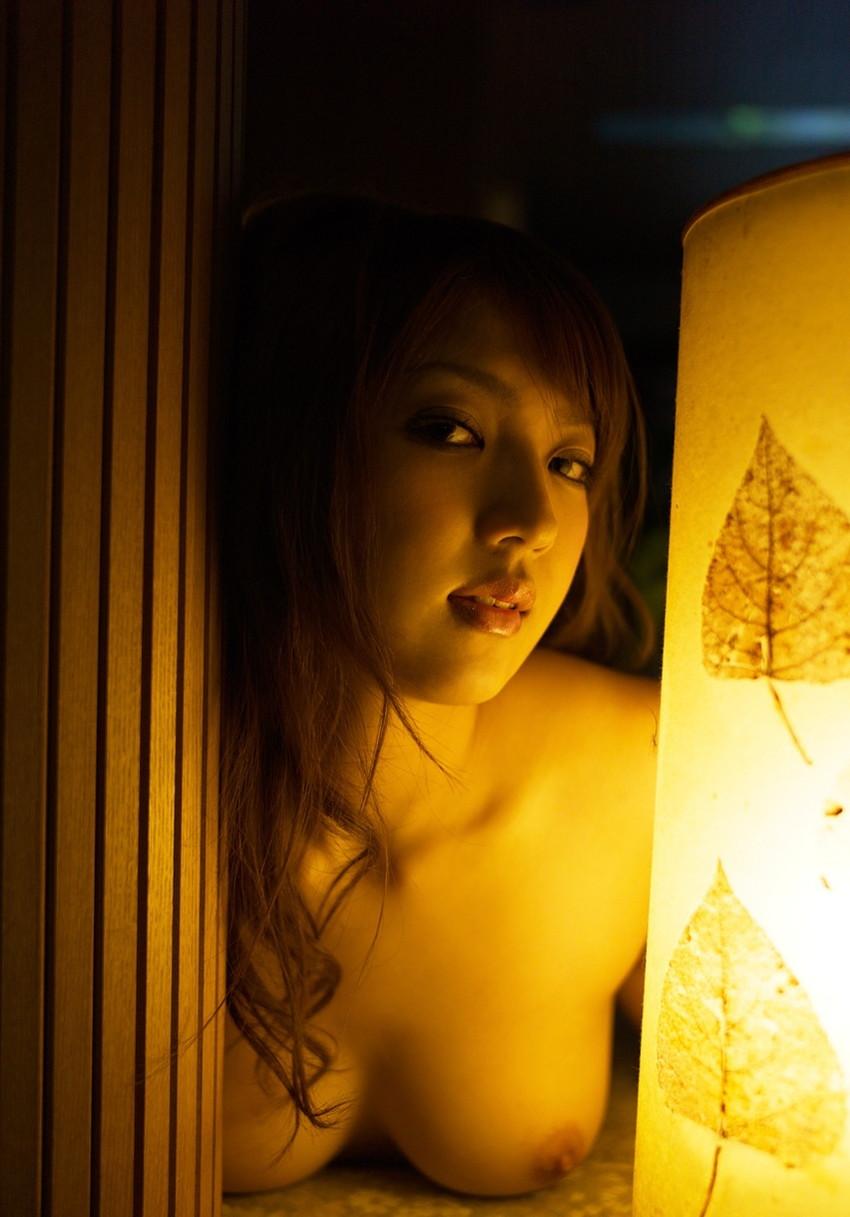 【巨乳女優エロ画像】神咲詩織の大きさも形も色も最高な究極おっぱいヌードw(52枚) 05