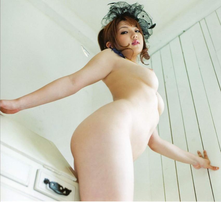 【巨乳女優エロ画像】神咲詩織の大きさも形も色も最高な究極おっぱいヌードw(52枚) 10