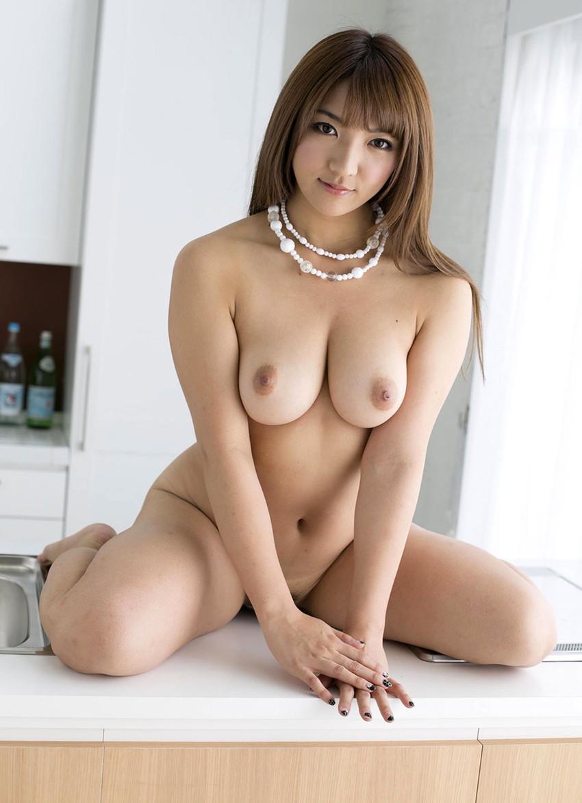 【巨乳女優エロ画像】神咲詩織の大きさも形も色も最高な究極おっぱいヌードw(52枚) 23