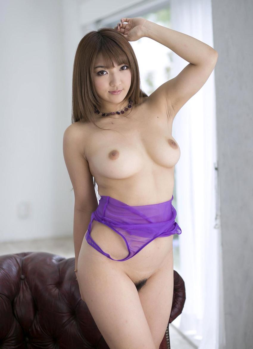 【巨乳女優エロ画像】神咲詩織の大きさも形も色も最高な究極おっぱいヌードw(52枚) 50