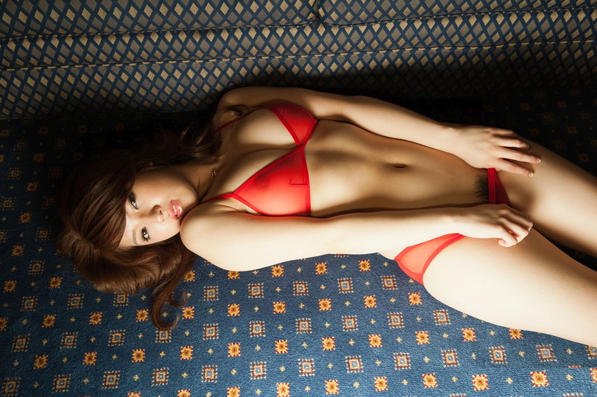 【巨乳女優エロ画像】神咲詩織の大きさも形も色も最高な究極おっぱいヌードw(52枚) 52