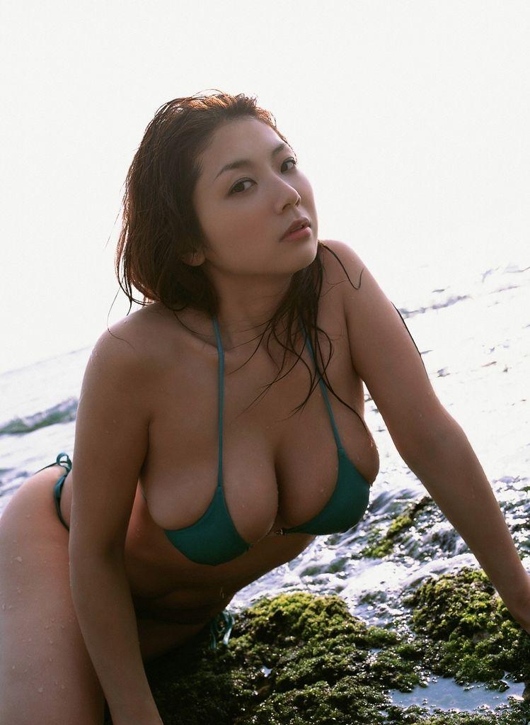 【グラビアエロ画像】相澤仁美のセクシーボディ!おっぱい番長の魅力満載!(55枚) 12